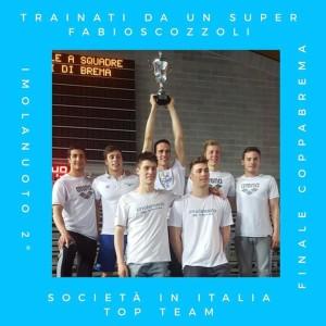 la squadra maschile solleva la coppa della 2^ squadra in Italia